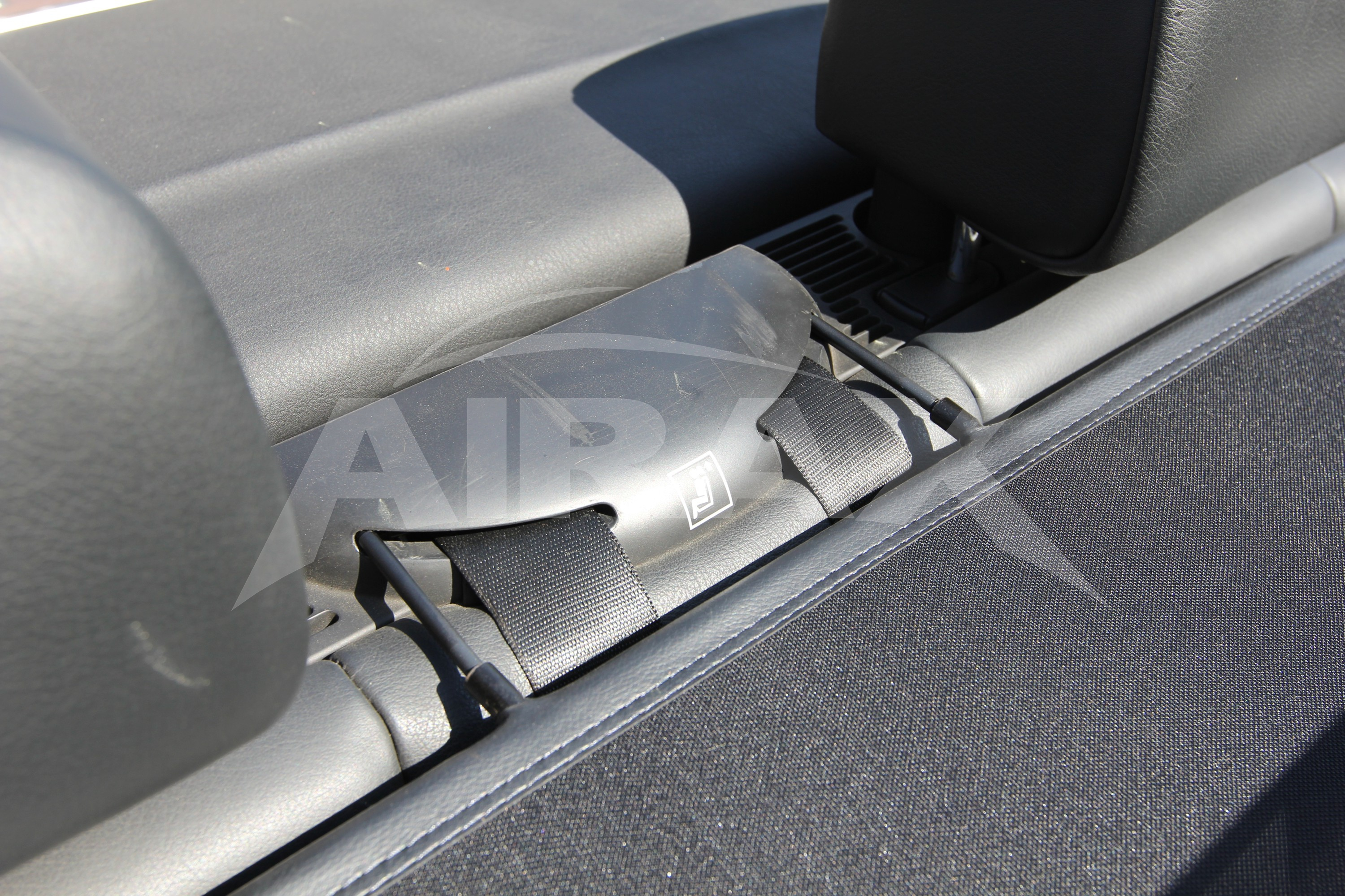 Airax Wind Deflector for B M W E46 with Quick Release