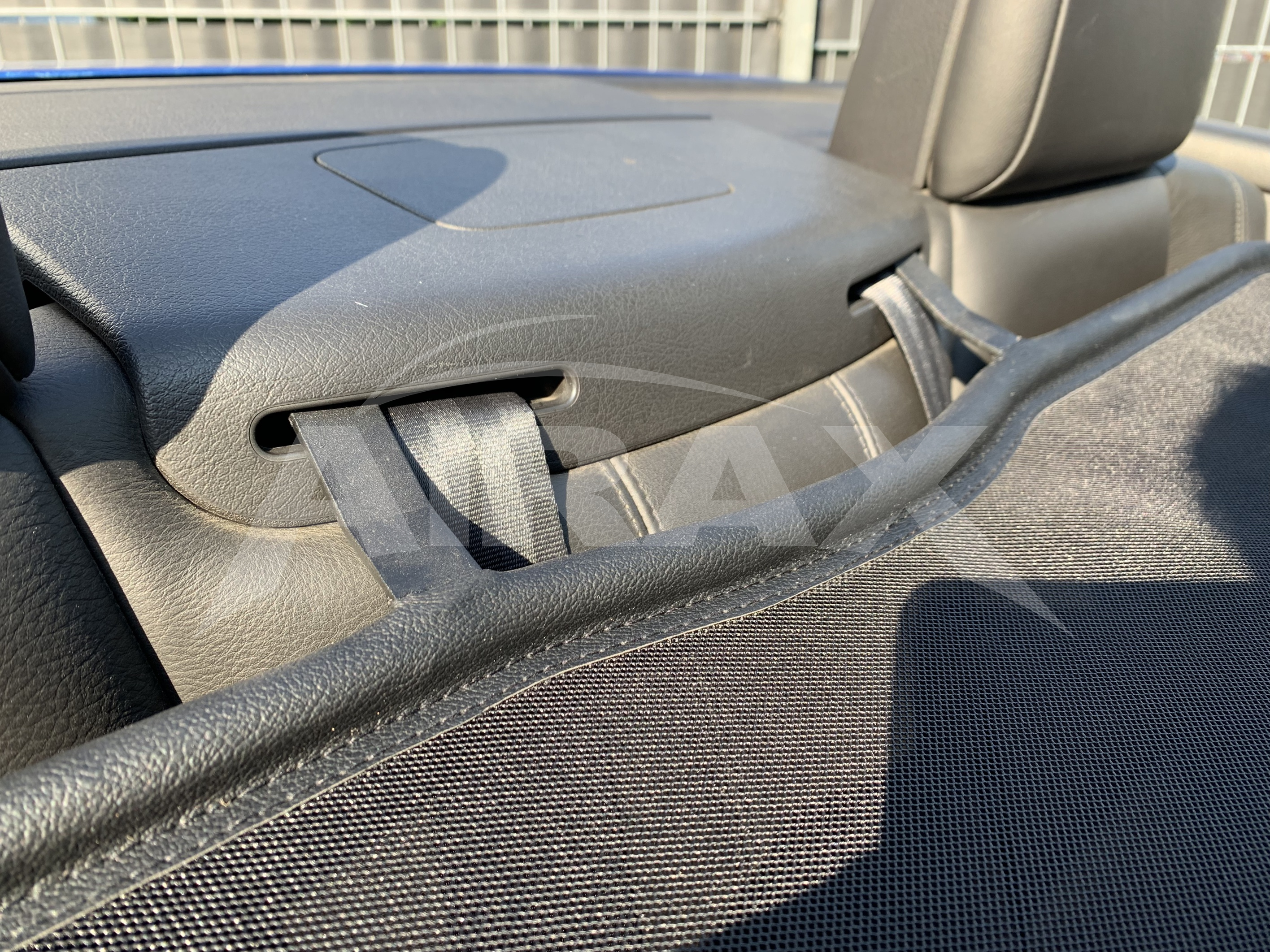 AIRAX Windschott Peugeot 307 CC schwarz mit Schnellverschluss WSP053